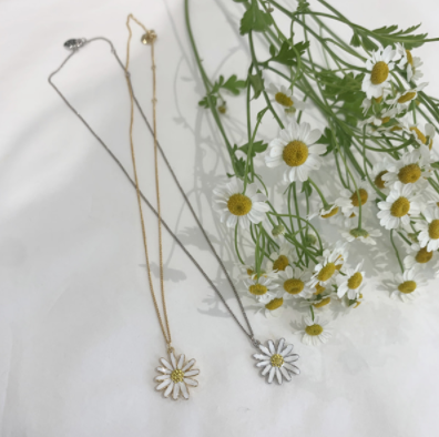 VINTAGE HOLLYWOOD「vintage Daisy Necklace」